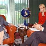 Interpretando a los presidentes Tarja Halonen (Finlandia) y Luiz InácioLula da Silva (Brasil)Presidentti Tarja Halosen ja presidentti Luiz Inácio Lula da Silvan (Brasilia) tulkkinaInterpreting President Halonen and Brazilian President, Lula da Silva.